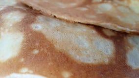Primo piano dei pancake, appetito gastronomico del movimento lento casalingo archivi video
