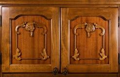 Primo piano dei portelli di legno Immagini Stock