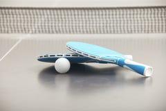 Primo piano dei razzi di tennis Fotografia Stock