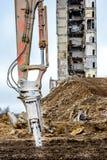 Primo piano del braccio hidraulic per demolizione di costruzione Fotografia Stock Libera da Diritti