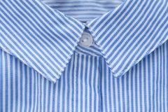 Primo piano del collare della camicia fotografia stock libera da diritti