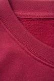 Primo piano del collare rosso della camicia immagini stock