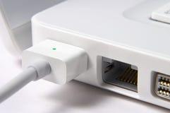 Primo piano del computer portatile bianco Fotografia Stock