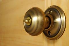 Primo piano del doorknob d'ottone Fotografia Stock Libera da Diritti