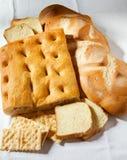 Primo piano del focaccia, del pane e dei cracker genoese. Fotografia Stock Libera da Diritti