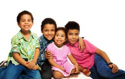 Gruppo di fratelli e di sorelle felici Fotografie Stock
