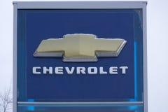 Primo piano del logo di Chevrolet sulla parte anteriore la Russia Berezniki del 28 ottobre 2017 automobilistico immagini stock libere da diritti