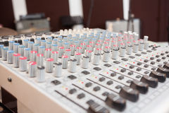Primo piano del miscelatore di musica Fotografia Stock