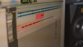 Primo piano del monitor in studio di registrazione stock footage