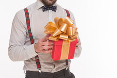 Primo piano del nuovo anno di regalo di Natale o di regalo fotografia stock libera da diritti