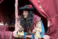 Primo piano del partecipante la festa in costume medievale Immagini Stock Libere da Diritti