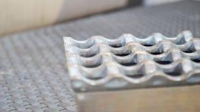 Primo piano del portacenere del metallo Immagine Stock