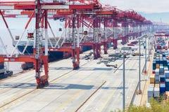 Primo piano del terminale di container immagine stock libera da diritti