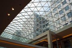 Primo piano del tetto di vetro moderno Fotografia Stock