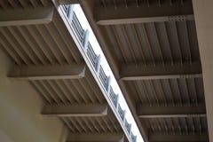 Primo piano del viadotto della strada della costruzione del ferro Fotografia Stock Libera da Diritti