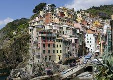 Primo piano del villaggio di Riomaggiore fotografia stock libera da diritti