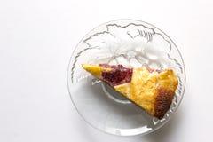 Primo piano delizioso della torta della mandorla alla tavola Vista superiore Immagini Stock