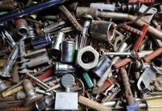 Primo piano dell'attrezzatura dell'hardware in cassetta portautensili fotografia stock