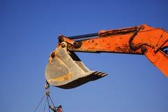 Primo piano dell'escavatore a cucchiaia rovescia fotografia stock libera da diritti