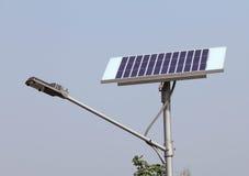Primo piano dell'indicatore luminoso di via/lampada solari Fotografia Stock Libera da Diritti