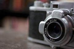 Primo piano dell'obiettivo di macchina fotografica antico Immagine Stock Libera da Diritti
