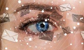Primo piano dell'occhio della donna che invia la rappresentazione dei email 3D Immagini Stock