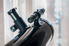 Primo piano dell'oculare del telescopio dello specchio Fotografia Stock Libera da Diritti