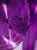 Primo piano dell'orologio viola Fotografia Stock