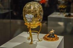 Primo piano dell'uovo imperiale di Faberge della Camera Fotografia Stock