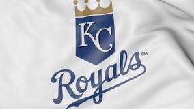 Primo piano della bandiera d'ondeggiamento con il logo della squadra di baseball di Kansas City Royals MLB, rappresentazione 3D Immagine Stock