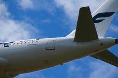 Primo piano della coda del ` s Airbus di Finnair Fotografia Stock