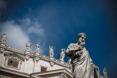 Primo piano della facciata della st Peters Basilica Fotografie Stock