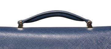 Primo piano della maniglia di cuoio strutturata blu della borsa Fotografia Stock Libera da Diritti