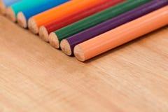 Primo piano della matita colorata in una fila Immagine Stock Libera da Diritti