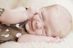 Primo piano della neonata di sonno Immagine Stock Libera da Diritti