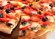 Primo piano della pizza Fotografie Stock Libere da Diritti
