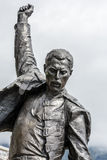 Primo piano della statua di Freddie Mercury fotografia stock