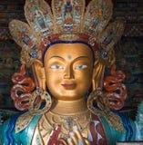 Primo piano della statua di Maitreya Buddha al monastero di Thikse Fotografia Stock