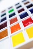 Primo piano della tavolozza della pittura dell'acquerello Fotografia Stock Libera da Diritti