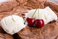 Primo piano della torta del cioccolato fotografia stock libera da diritti