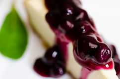 Primo piano della torta di formaggio del mirtillo Fotografie Stock Libere da Diritti