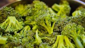 Primo piano della verdura dei broccoli di Frash archivi video