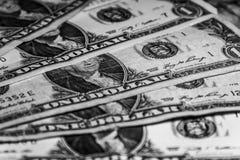 Primo piano delle banconote in dollari degli Stati Uniti uno, fondi degli Stati Uniti Immagine Stock