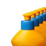 Primo piano delle bottiglie di pulizia della casa Immagine Stock Libera da Diritti