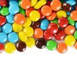 Primo piano delle caramelle di cioccolato variopinte del mucchio Fotografia Stock