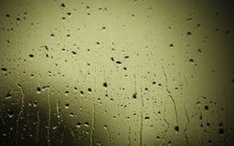 Primo piano delle gocce di acqua su vetro come fondo Immagine Stock Libera da Diritti