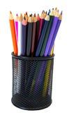 Primo piano delle matite colorate in contenitore di matita Fotografia Stock Libera da Diritti