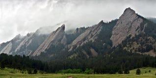 Primo piano delle montagne di Flatiron a Boulder, Colorado Fotografia Stock Libera da Diritti