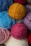 Primo piano delle palle della lana di colore Fotografie Stock Libere da Diritti