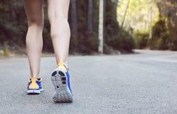 Primo piano delle scarpe da corsa Fotografia Stock Libera da Diritti
